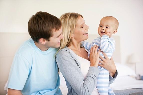 Uloga muškarca – tate tokom porođaja, u trudnoći i roditeljstvu